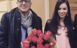 Андрей Ургант и его молодая жена