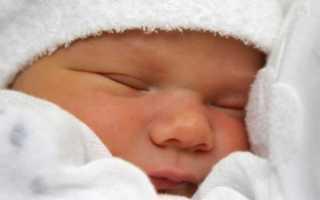 Сколько должен спать ребенок до 1 месяца, как часто кушают новорожденные?