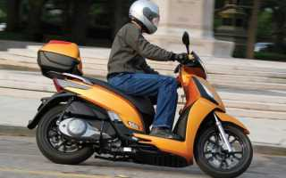 С какого возраста можно ездить на мотоцикле, со скольки лет получают права на скутер