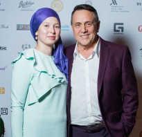 Ренат ибрагимов и его молодая жена, Светлана миннеханова