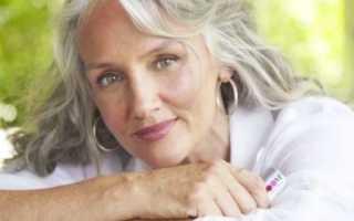 Уход за седыми волосами после 50 лет: итальянская варежка для мытья головы