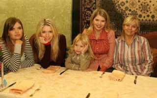 Вера Брежнева с сестрами, какие красавицы?