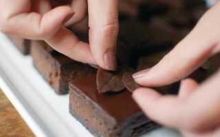 Как сделать шоколадные листья для торта?
