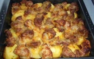 Свиная шейка в духовке с картошкой, мясо на подушке