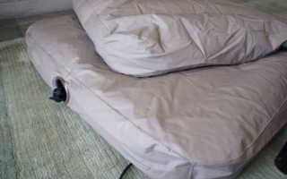 Как заклеить надувной матрас в домашних условиях?