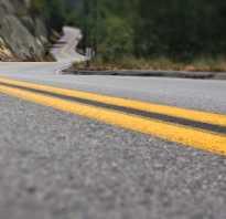Желтая разметка на остановке, что означает желтый зигзаг на дороге?
